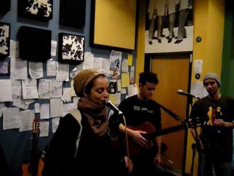WATCHA CLAN  QUINTO REGIMIENTO ACOUSTIC LIVE @W.F.M.U RADIO NEW JERSEY