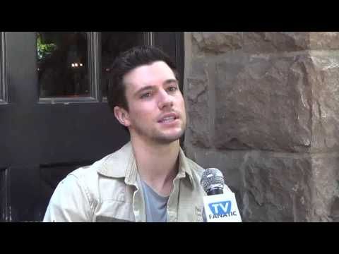 FALLING SKIES FINALE preview with Drew Roy, part 1
