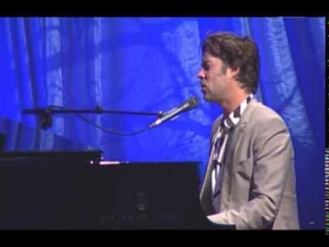 Rufus Wainwright Hallelujah  at 2013 Captain Planet Foundation Benefit Gala