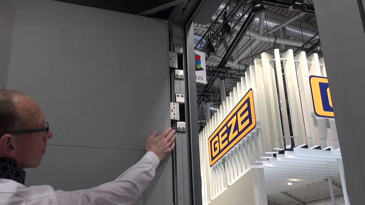 Reynaers Aluminium Cs 86 Panel Door Youtube