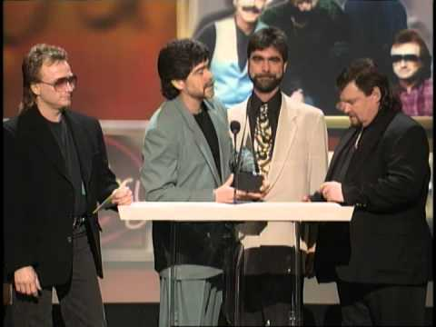 Alabama wins Favorite Country Band, Duo or Group - AMA 1996