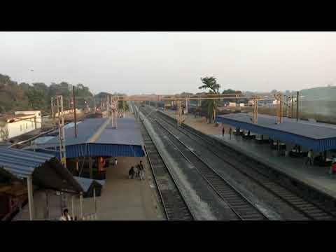 22844- The Majestic Patna Bilaspur Weekly Superfast Express passing Kirodimalnagar Railway Station.