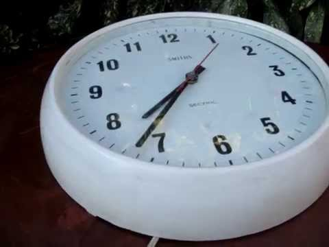 Vintage Electric Bakelite SMITHS SECTRIC Wall Clock Made In England *SEE  VIDEO*