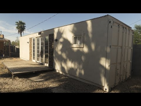 Minimalist container home built from 40 39 shipping for Minimalist container house