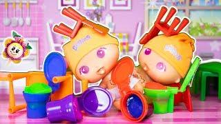 Bébés BELLIES: Mimi et son frère Willy sont comme le chien et le chat! Ils ont mis du SLIME partout