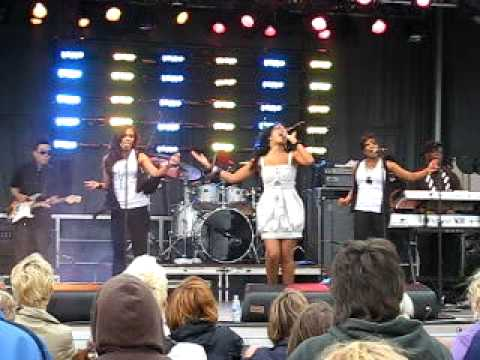 Melanie Fiona  Sad Songs  @ Virgin Fest Toronto 2009