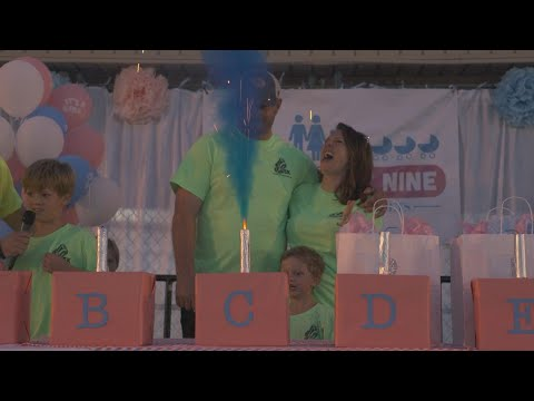 See How Parents Expecting Sextuplets Planned Gender Reveal Party