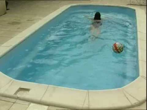 Piscine provence polyester baby pool youtube for Provence piscine polyester