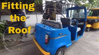 How to Fit the Roof on an Auto Rickshaw TVS King
