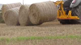 Bale clearing with Murray Machinery Octa-Quad Bale Transport System