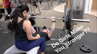 GIRL ON LAP BENCH PRESS   Does It Work?   Oliver Ta