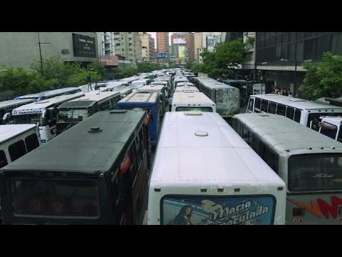 Caracas bus drivers strike, asking for more pay and security