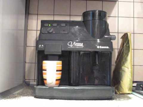 Bialetti Mukka Express - гейзерная капучино-кофеварка - YouTube