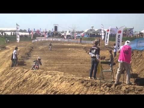 แข่งรถวิบากเด็ก ทะเลหลวงสุโขทัย.MP4