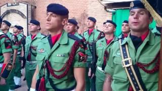 Brigada Paracaidista cantando la muerte no es el final en Alcalá de Henares.