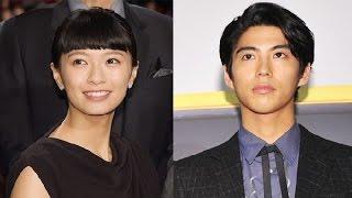 俳優の賀来賢人27才と、女優の榮倉奈々28才が、7日に結婚した。 8日に、...