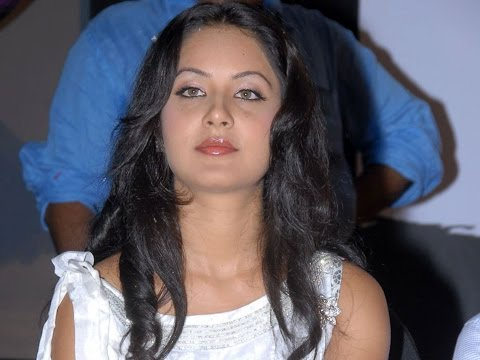 Pooja Bose - Wiki, Pictures, Age, Boyfriend, Height