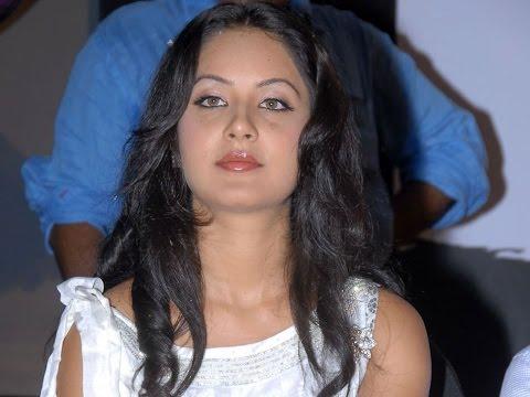 Pooja Bose - Wiki, Pictures, Age, Boyfriend, Height