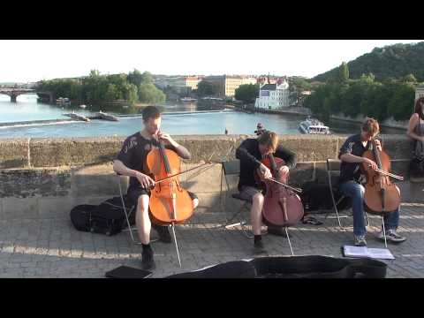 Metallica -One - Charles Bridge - Praga - violoncelo - Jul-2011 HD