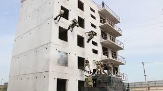 СОБР Дагестана отрабатывает захват вражеских позиций