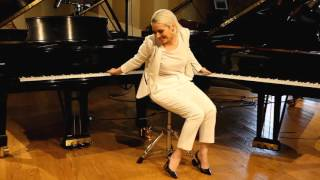 Jacquelyn Schreiber Plays Two Pianos at the SAME TIME!