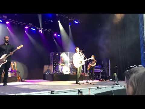 Alanis Morissette - Head Over Feet Live in Dublin mp3