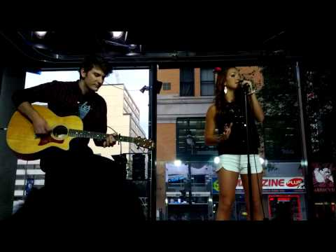 Break My Heart - Victoria Duffield Accoustic Performance @ MusiquePlus Montreal