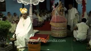 Bride finally enters the wedding mandap