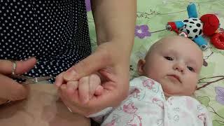 видео Как правильно подстричь ребенку ногти