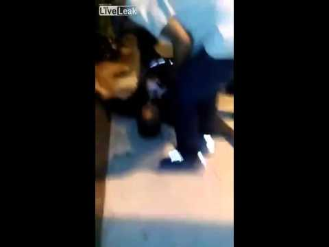 LiveLeak - Man gets KO'd then robbed