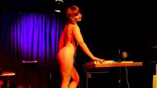 Repeat youtube video Performance By Cerise Noir From April Mitzis Mega Showcase