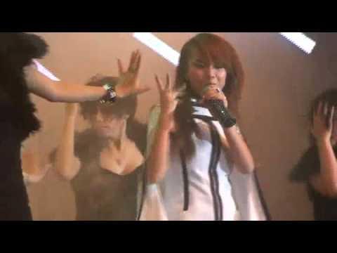 [FANCAM] 012810 YẾN TRANG - Níu Kéo @ H2Teen Concert 2010