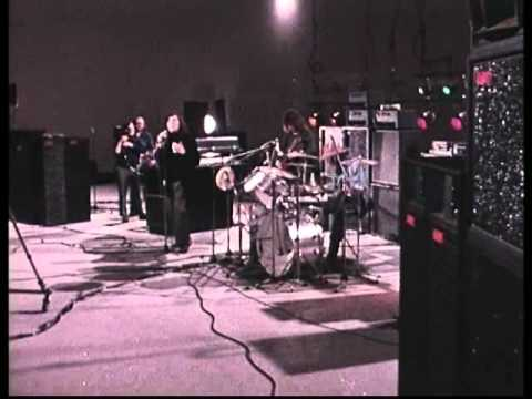 01 Breakthrough - 1972 French TV - Atomic Rooster *HQ* mp3