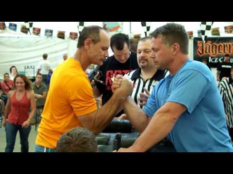 Brzenk vs Fisher 8/22/09  T.O.C. www.ArmWrestlingMachine.com