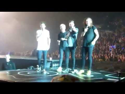 ONE DIRECTION - Boys dancing with their families on ACT MY AGE - Sheffield LAST SHOW 31.10.15