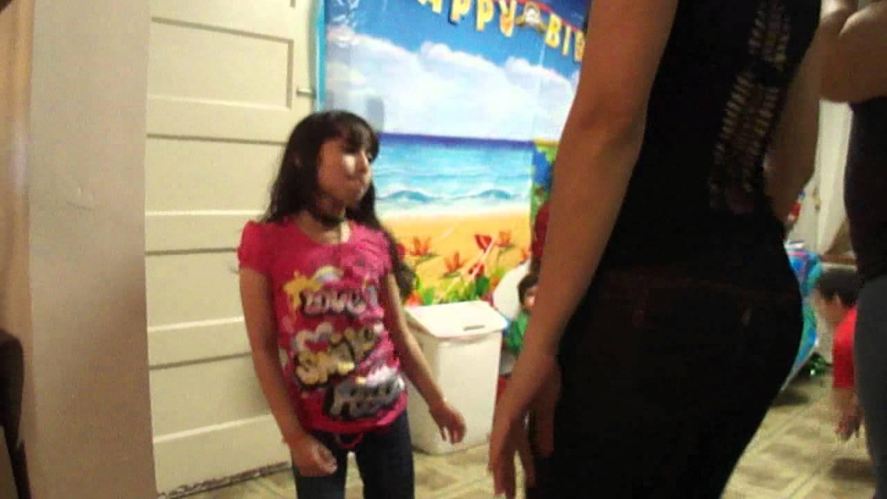 Alumna de secundaria chupando verga de su maestro en salon de clase 2