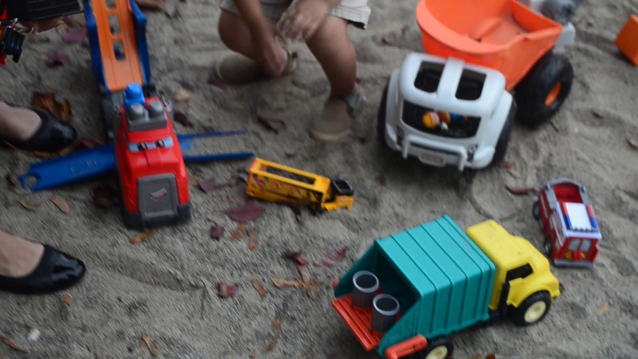 Blippi fan - amazing park toys !