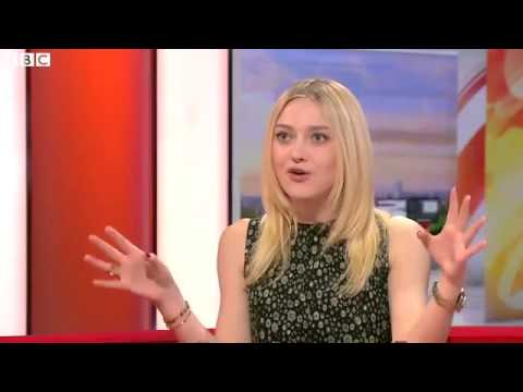 BBC News - Dakota Fanning on playing Effie Gray
