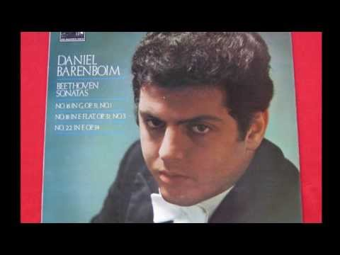 DANIEL BARENBOIM  Mozart Piano Concerto in D major; K.175 ~ English Chamber Orchestra