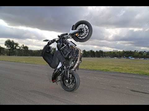 Yamaha MT 10 Wheelie - YouTube
