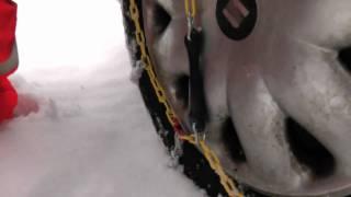 Schneeketten anlegen