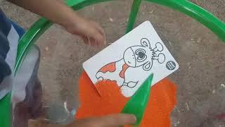 Мартн Рисует цветным Песком Развивающие Иры с песк...