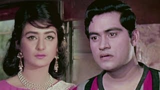Joy Mukherjee & Saira Banu first meet - Bollywood Movie Scene | Door Ki Awaaz
