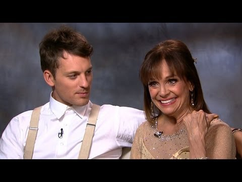 Download Valerie Harper's Emotional Goodbye on 'Dancing With the Stars'