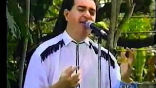 Oswaldo Y  Su Grupo Coco   No Vale La Pena Amar.wmv
