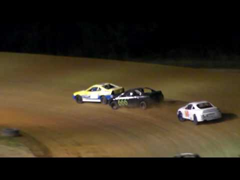 Dog Hollow Speedway - 8/5/16 Four Cylinder Feature Race