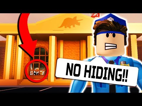 HIDE AND SEEK IN JAILBREAK MUSEUM!! (Roblox) with PrestonPlayz, Walle, Shane!