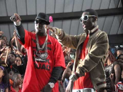 Bottoms Up Remix - Jae Millz , Gucci Mane , Busta Rhymes ,  Nicki Minaj , Trey Songz