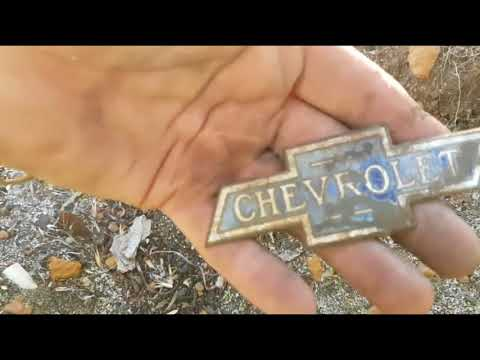 Fossicking for Relics & Lost Treasure - Early 1900's Era Western Australian Rubbish Dumps