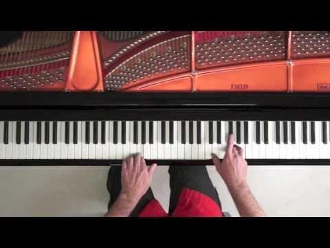 Christmas Piano Music with Score - P. Barton, piano